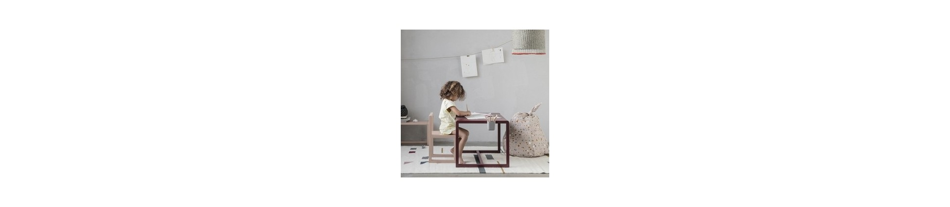 Bureau enfant design & table bébé